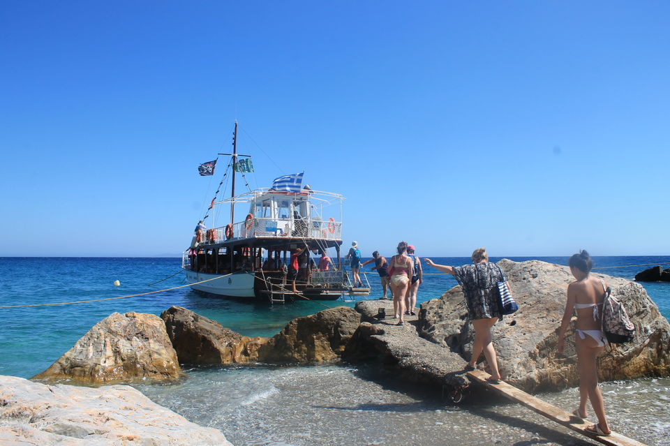Samos: Full-Day Boat Cruise with Lunch